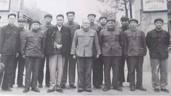 """""""共和国同龄厂""""——青海新华民族印务的""""传奇""""与""""新篇"""""""